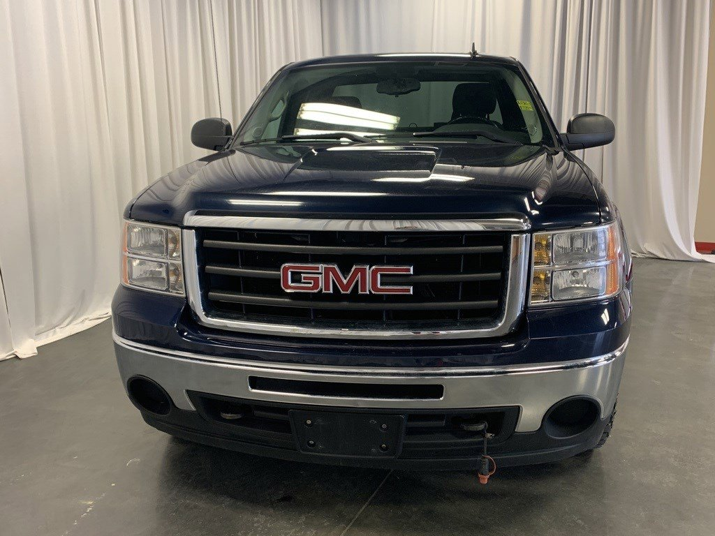 Used 2010 GMC Sierra 1500 SLE Extended Cab Pickup for sale in St Joseph MO