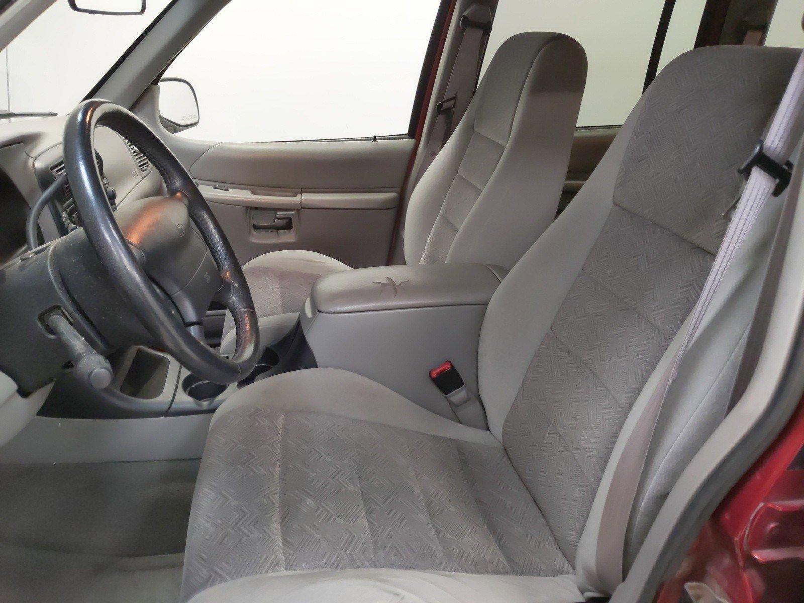 Used 2000 Ford Explorer XLT 4D Sport Utility for sale in Grand Island NE