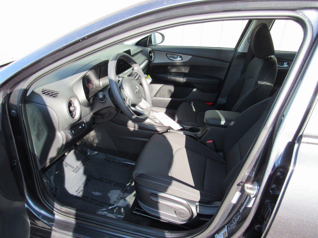 New 2020 Kia Forte LXS 4dr Car for sale in St Joseph MO
