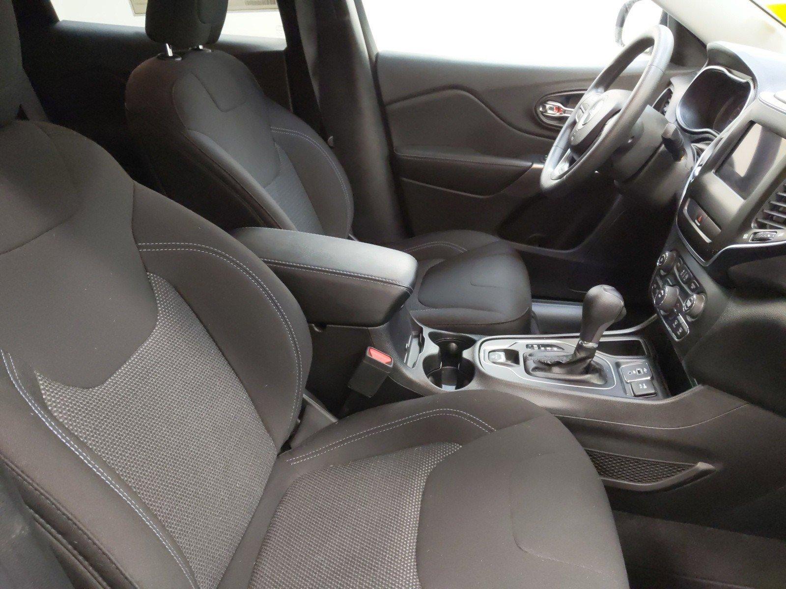 New 2019 Jeep Cherokee Latitude Sport Utility for sale in Grand Island NE