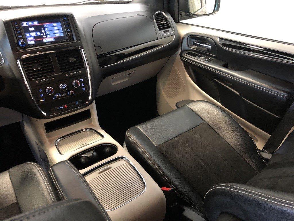Used 2020 Dodge Grand Caravan SXT Mini-van for sale in St Joseph MO