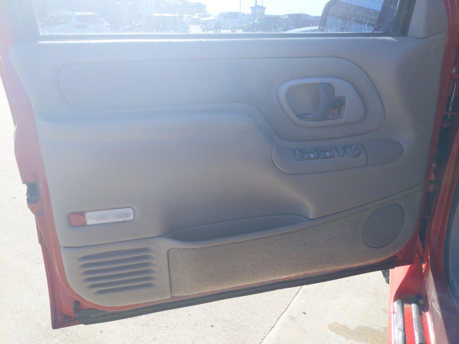 Used 1998 Chevrolet Suburban LS Sport Utility for sale in Lincoln NE