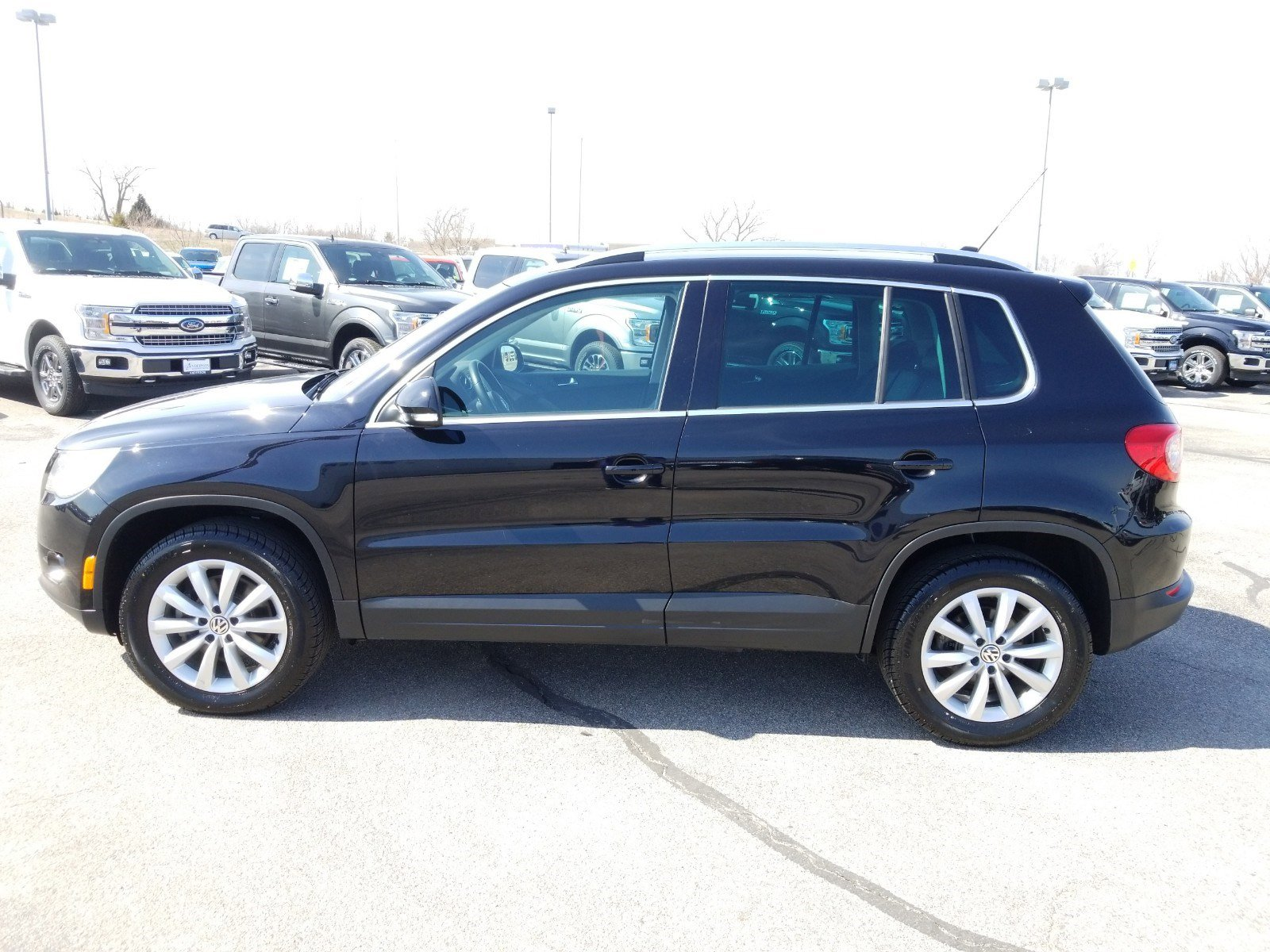 Used 2011 Volkswagen Tiguan SE Sport Utility for sale in Lincoln NE