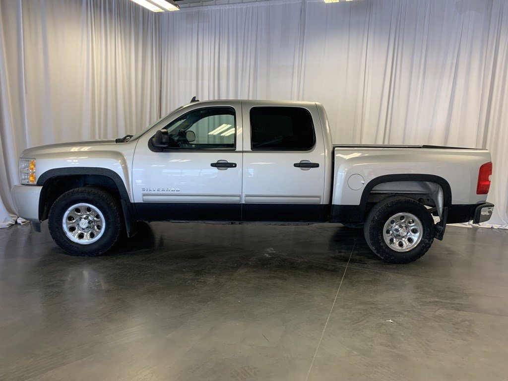Used 2010 Chevrolet Silverado 1500 LT Crew Cab Pickup for sale in St Joseph MO
