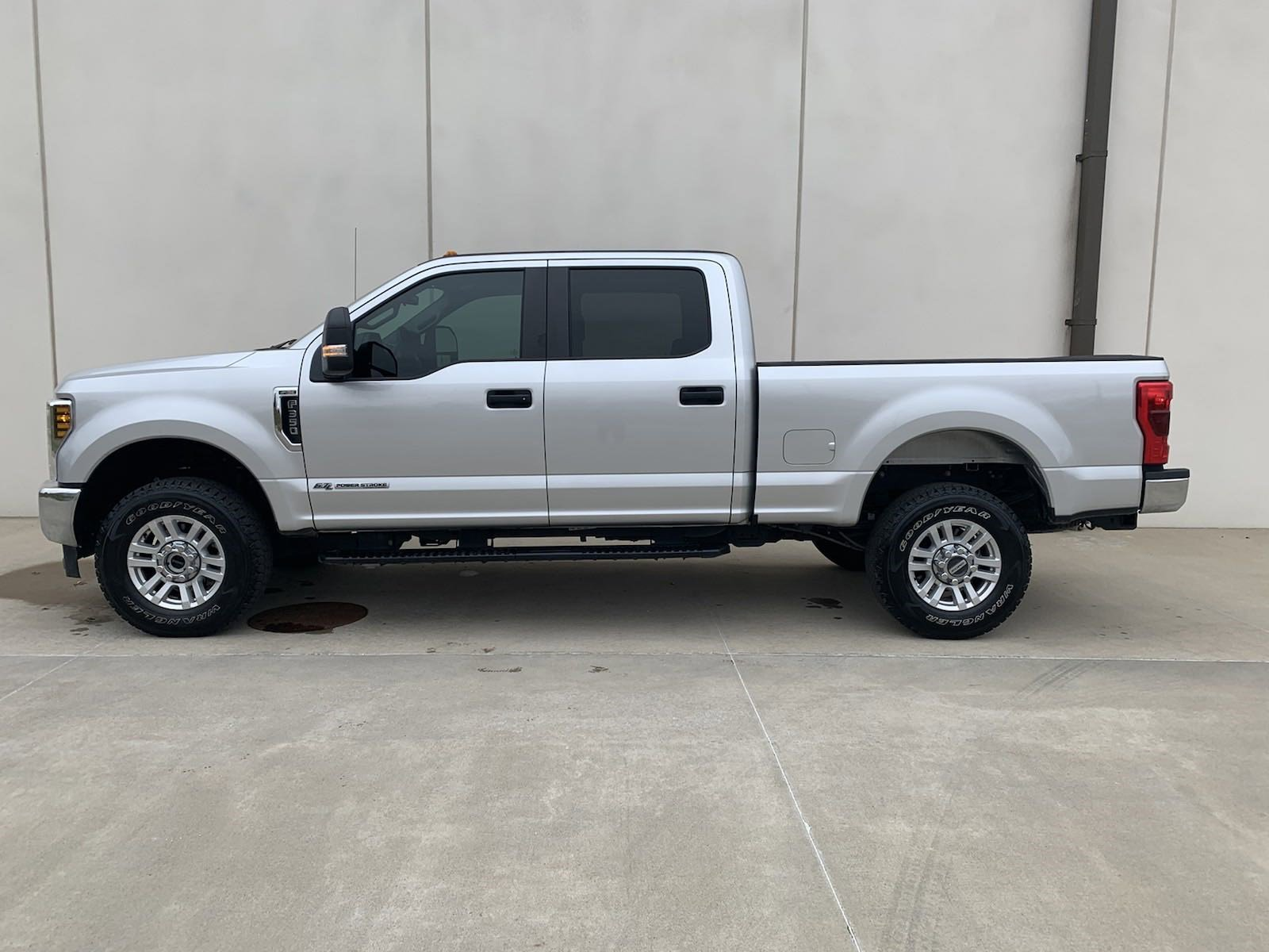 Used 2019 Ford Super Duty F-350 Srw XL Crew Cab Pickup for sale in St Joseph MO