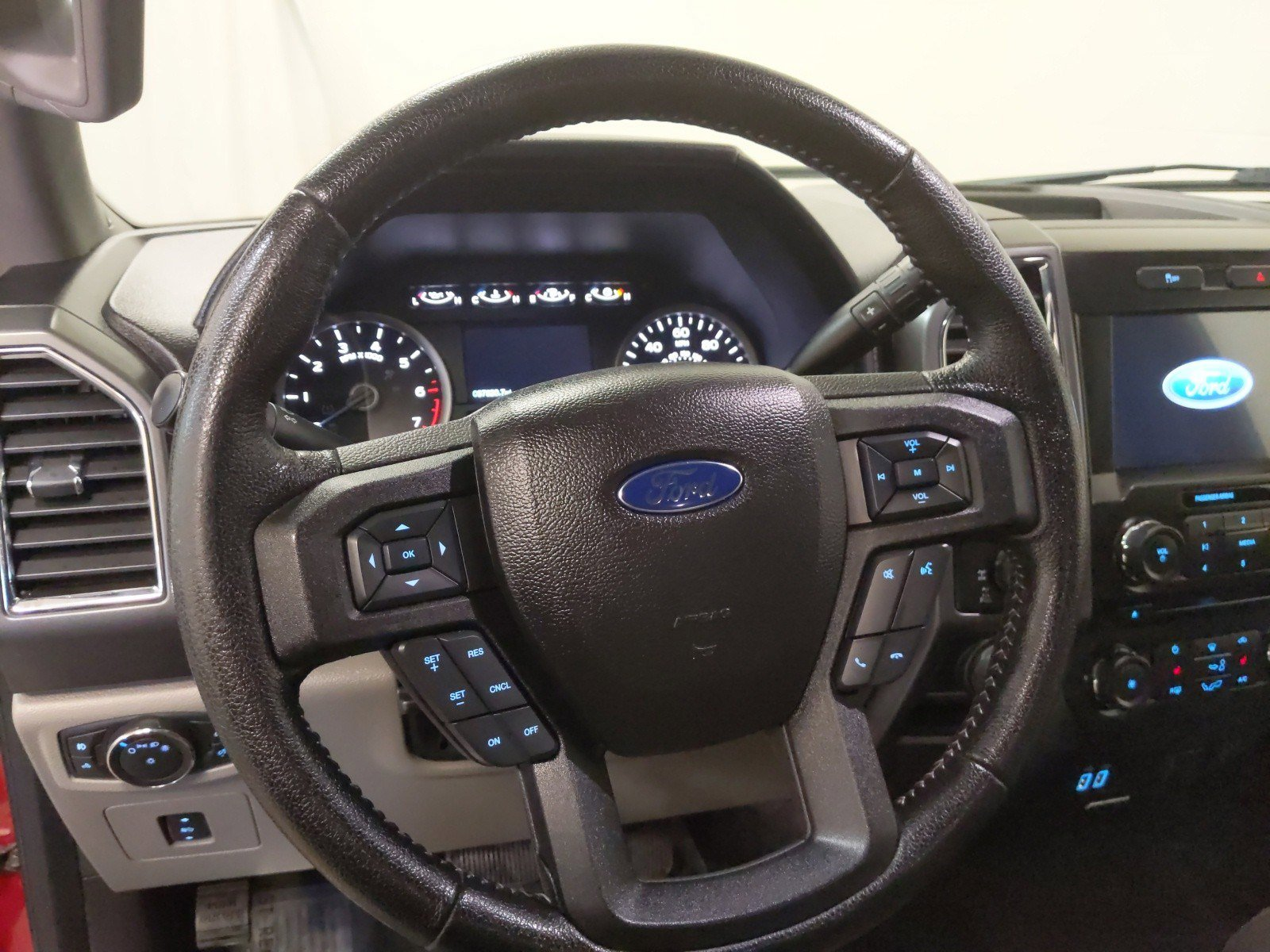 Used 2016 Ford F-150 XLT Crew Cab Pickup for sale in Lincoln NE