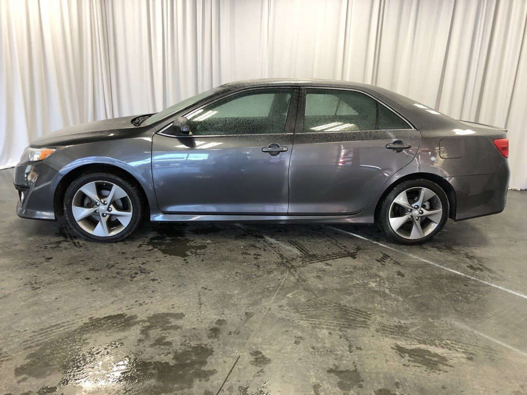 Used 2014 Toyota Camry SE 4dr Car for sale in St Joseph MO