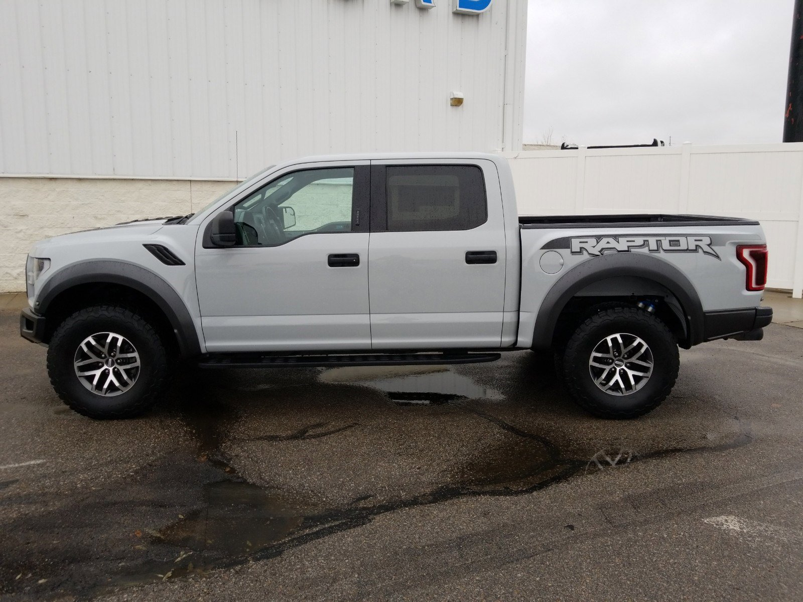 Used 2017 Ford F-150 Raptor Crew Cab Pickup for sale in Lincoln NE