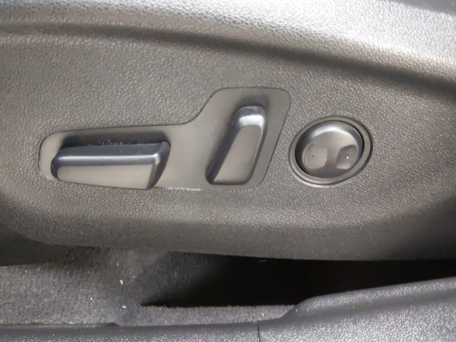Used 2016 Kia Sorento EX 4D Sport Utility for sale in Grand Island NE
