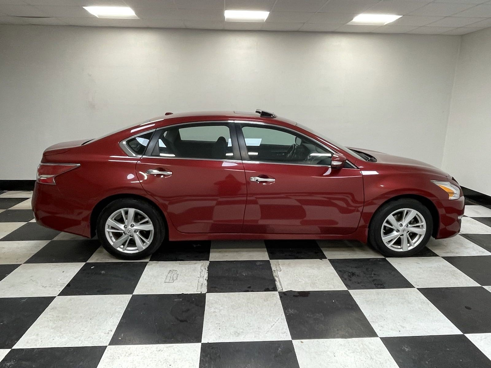 Used 2015 Nissan Altima 2.5 SV 4dr Car for sale in Grand Island NE