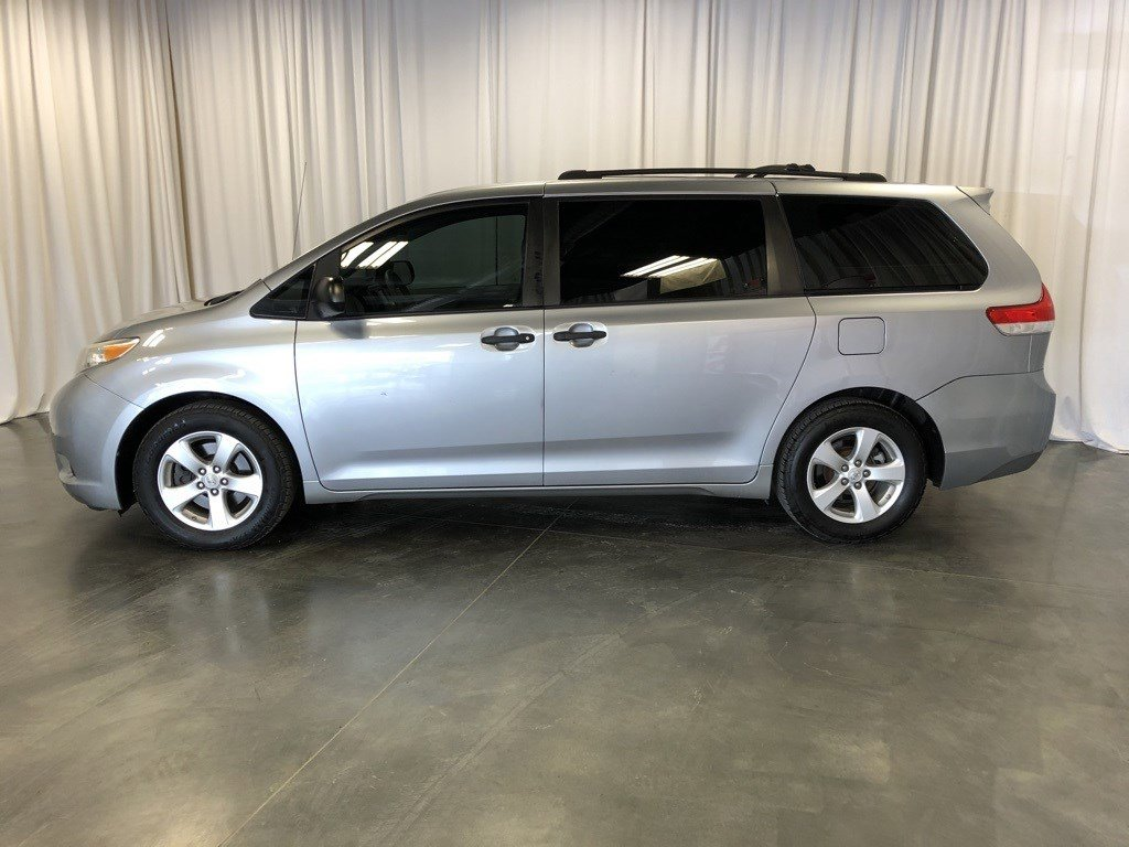 Used 2012 Toyota Sienna Base Mini-van for sale in St Joseph MO