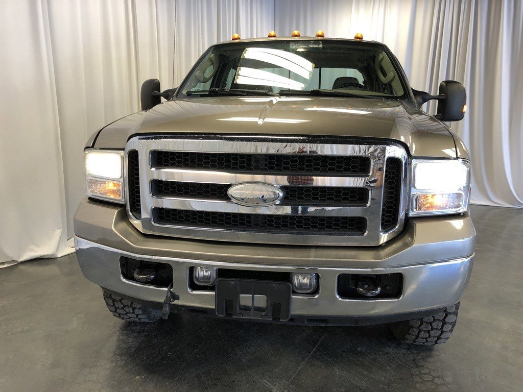 Used 2005 Ford Super Duty F-250 XLT Crew Cab Pickup for sale in St Joseph MO