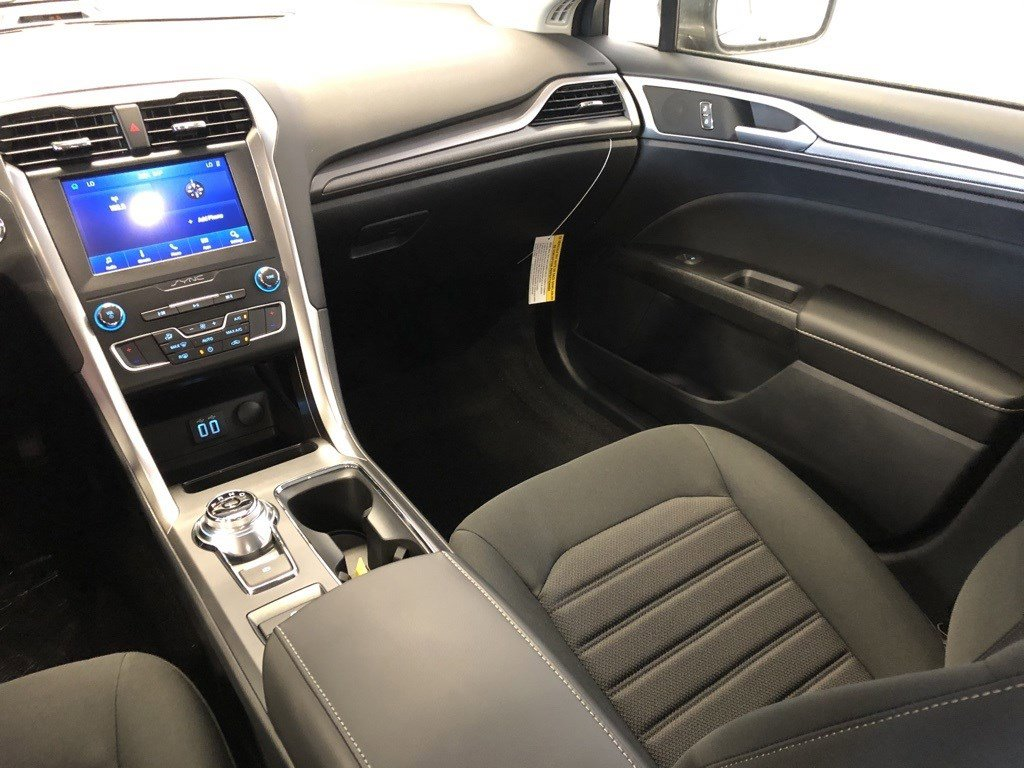 New 2020 Ford Fusion SE 4dr Car for sale in St Joseph MO