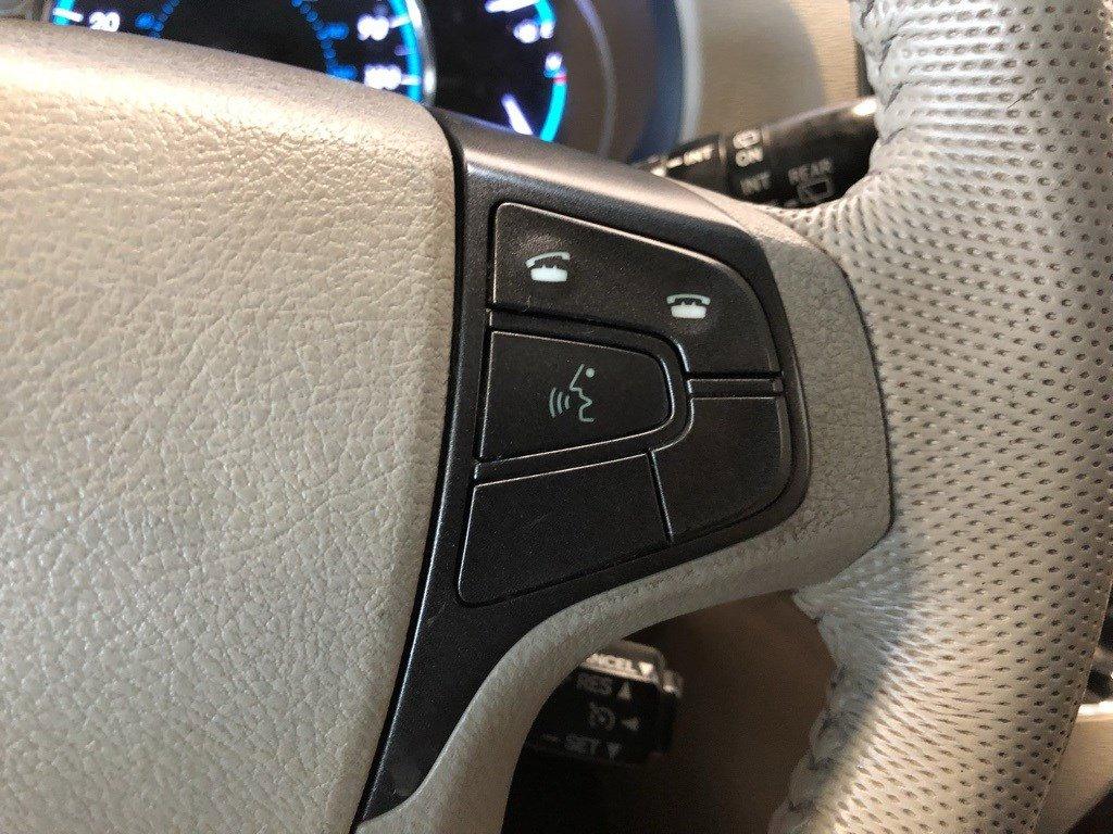 Used 2013 Toyota Sienna XLE Mini-van for sale in St Joseph MO