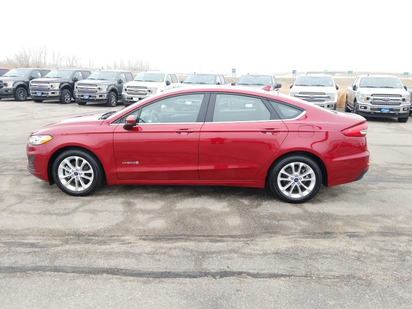 Used 2019 Ford Fusion Hybrid SE 4dr Car for sale in Lincoln NE