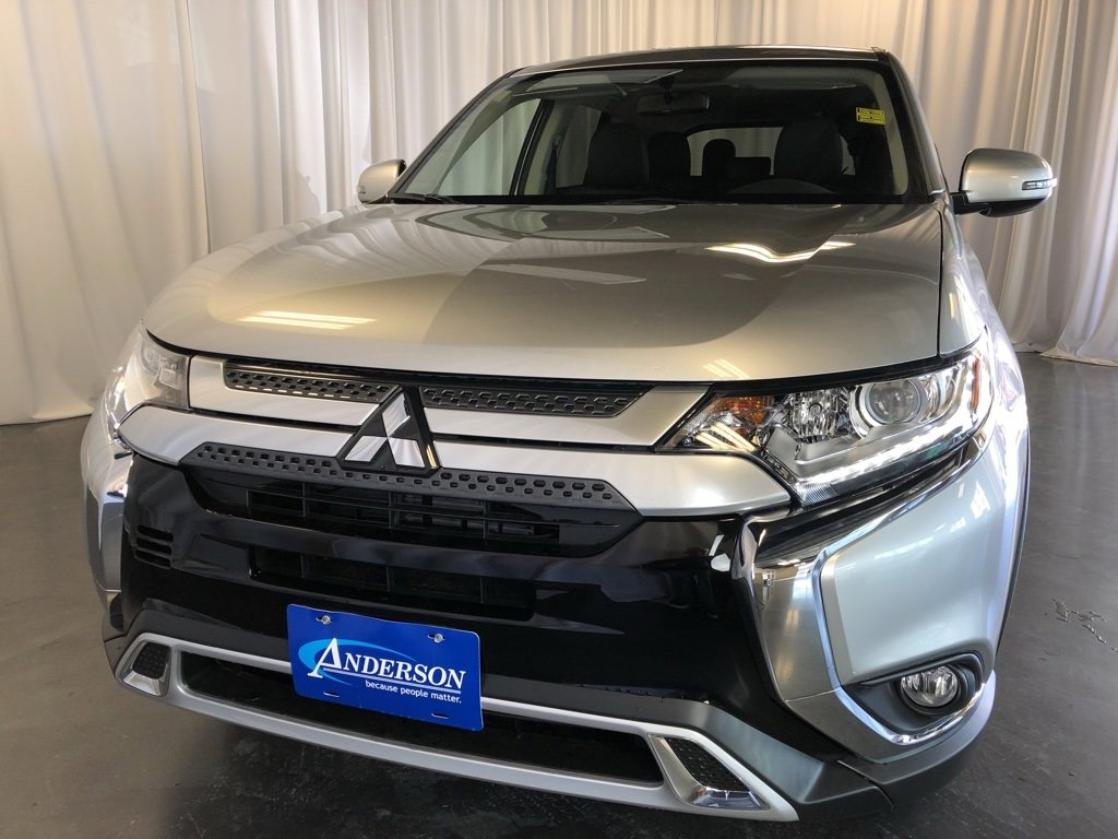 New 2019 Mitsubishi Outlander SE Sport Utility for sale in St Joseph MO