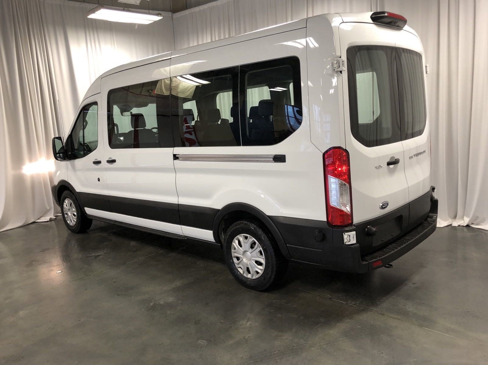 Used 2019 Ford Transit Passenger Wagon XLT Full-size Passenger Van for sale in St Joseph MO