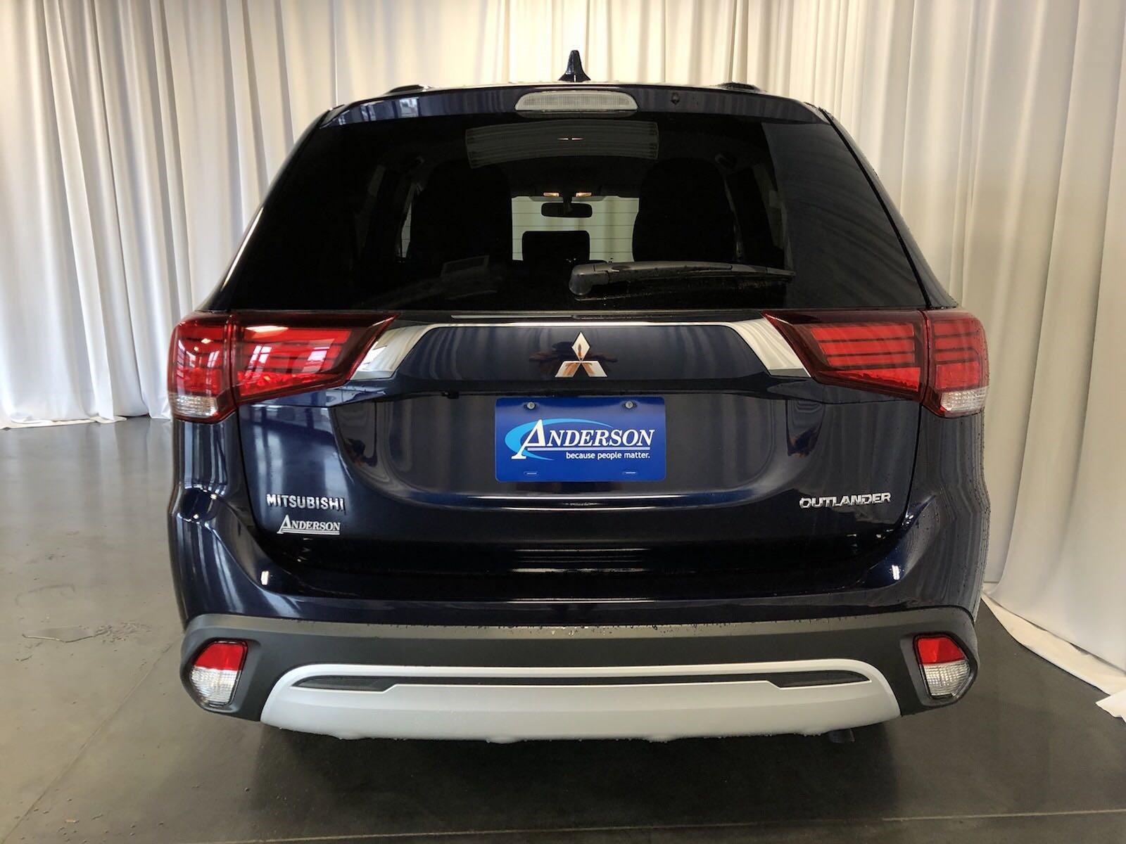 New 2019 Mitsubishi Outlander ES Sport Utility for sale in St Joseph MO