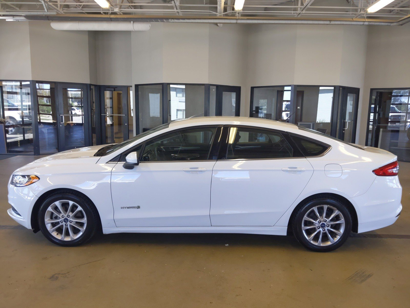 Used 2017 Ford Fusion Hybrid SE 4dr Car for sale in Lincoln NE