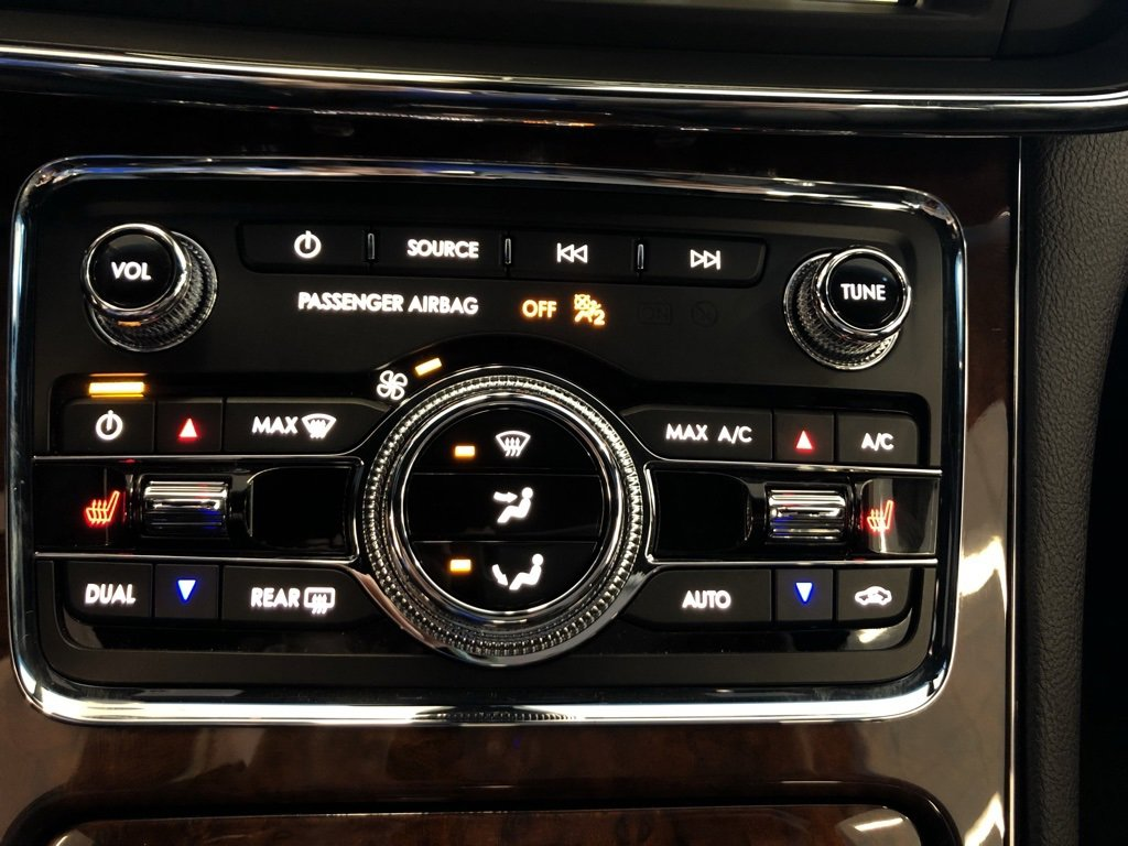 New 2019 Lincoln Continental Premiere 4dr Car for sale in St Joseph MO