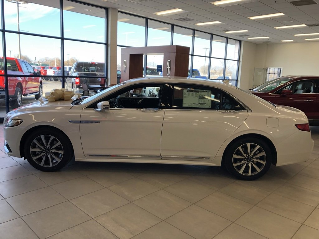 New 2019 Lincoln Continental Premiere 4dr Car for sale in St Joseph MO