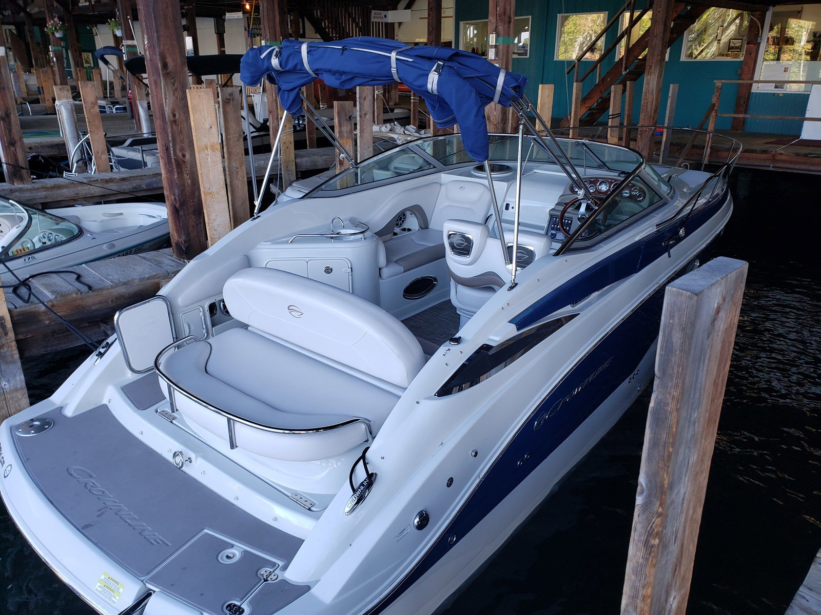 2015 Crownline boat for sale, model of the boat is 264CR & Image # 6 of 10