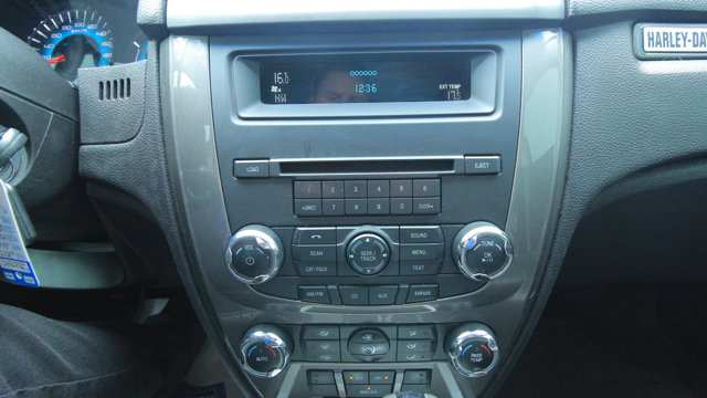 2010 Ford Fusion Sport / BACK UP CAM & SENSORS / MOON ROOF / REMOTE START