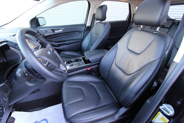 2019 Ford Edge Titanium | LEATHER | HEATED SEATS | NAVIGATION | MOONROOF |