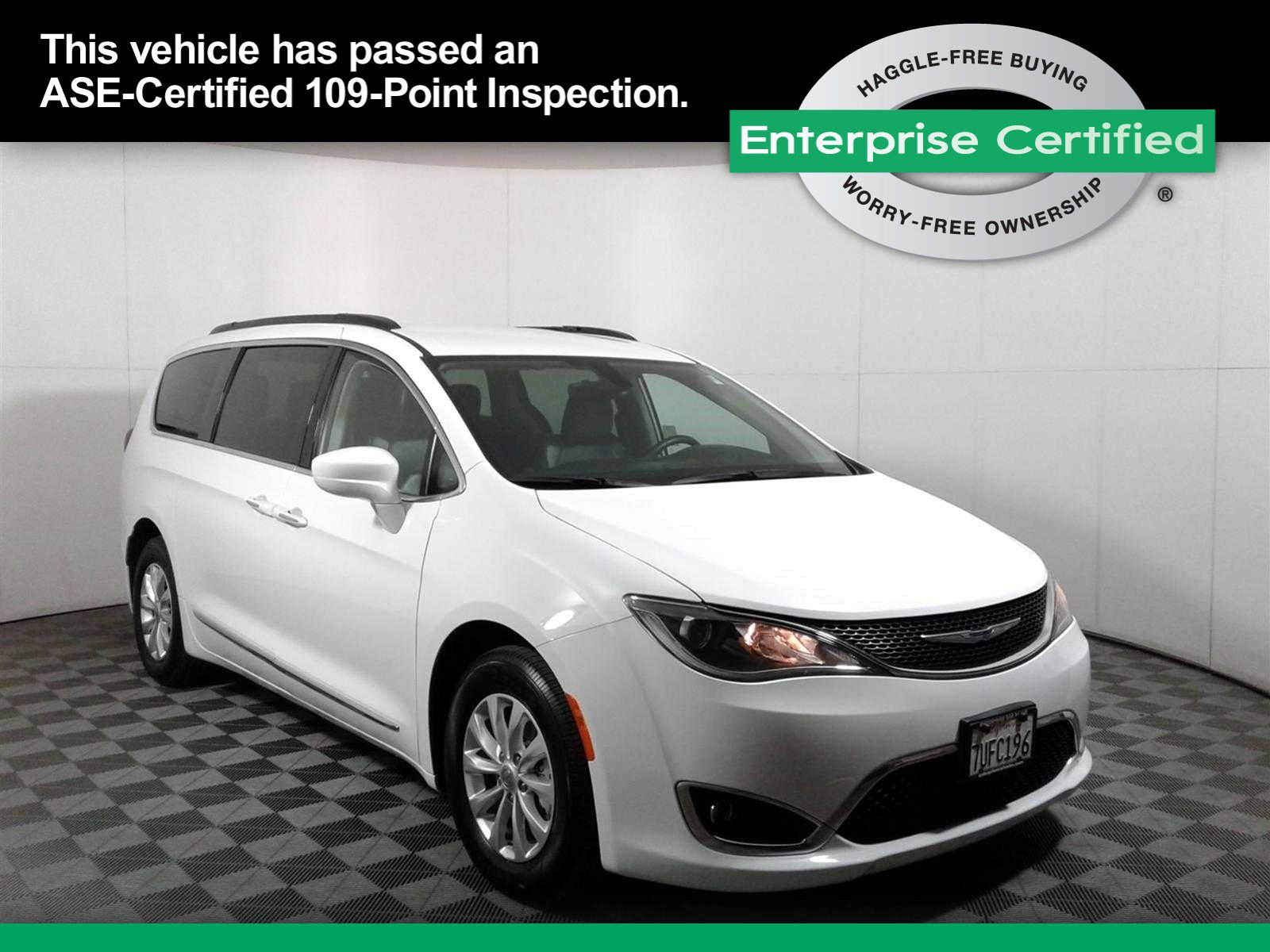 Location: Sunnyvale, CA2017 Chrysler Pacifica Touring-L in Sunnyvale, CA