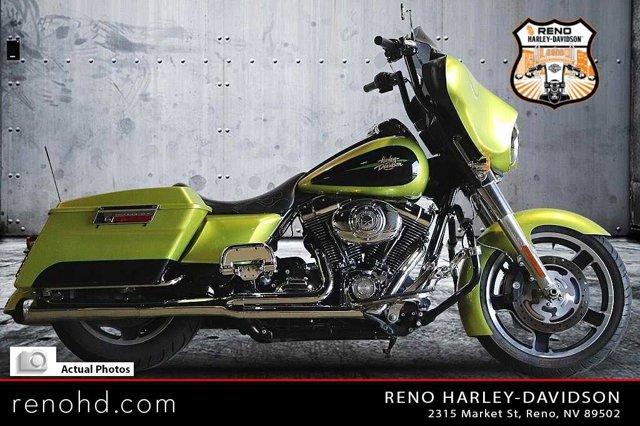 2011 HARLEY Street Glide [3]