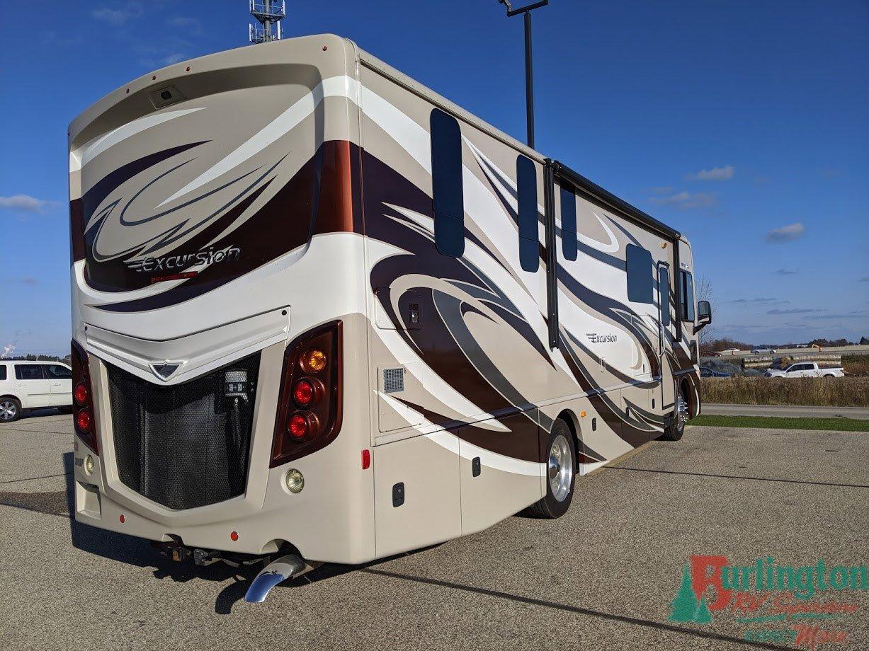 2016 Fleetwood Excursion 33D Thumbnail