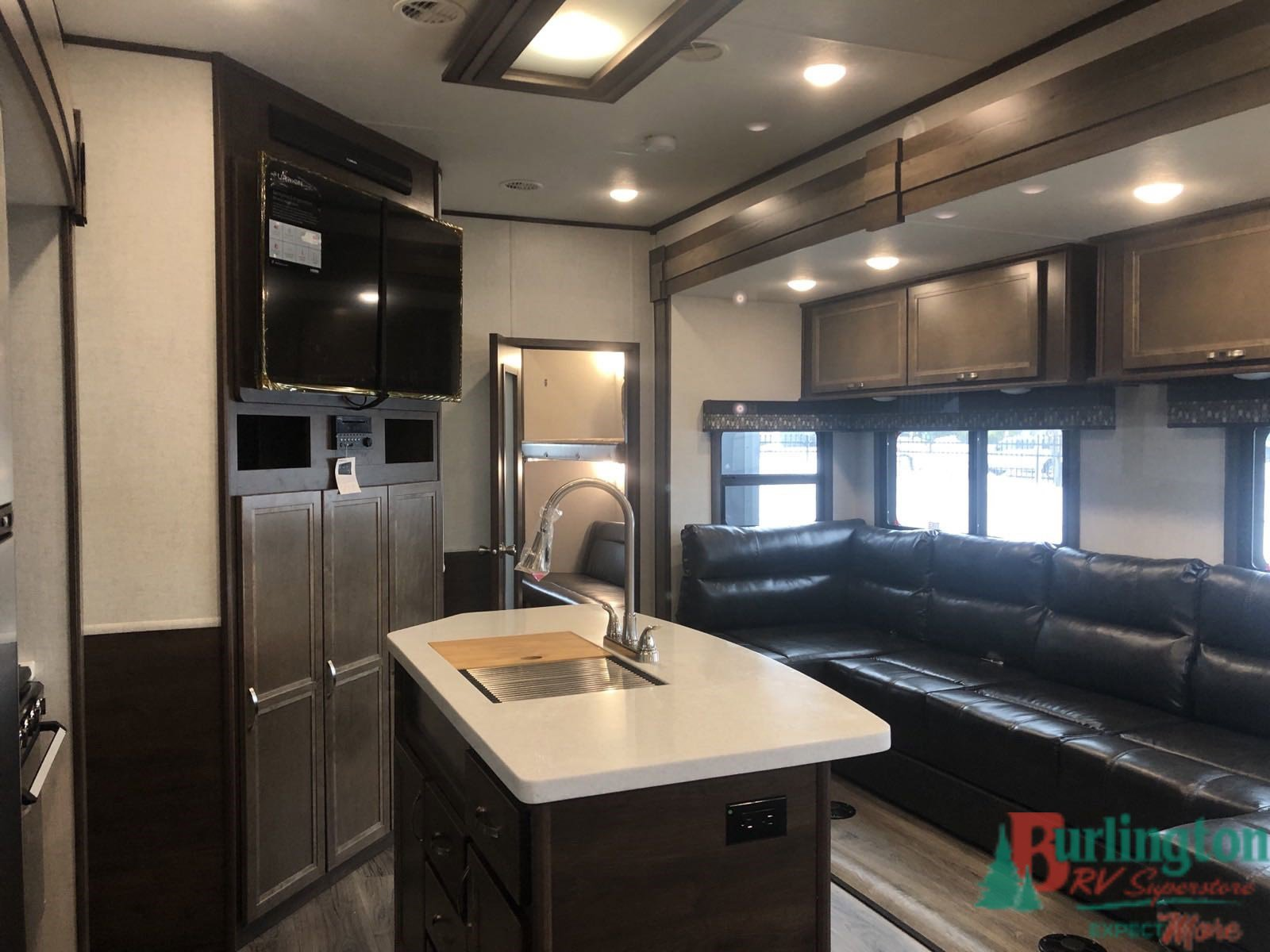 2019 Highland Ridge Open Range 427BHS Thumbnail