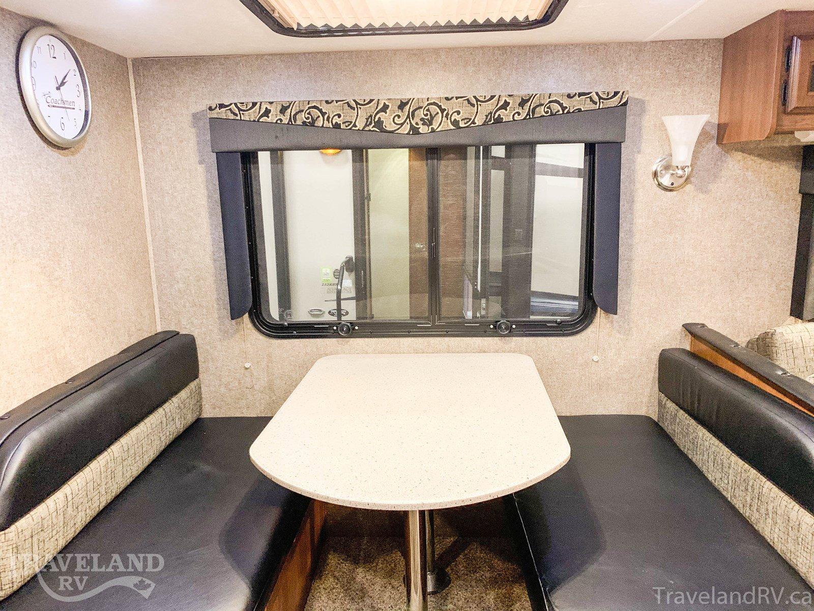 2015 Coachmen Freedom Express 320BHDS MAPLE LEAF EDITION Thumbnail