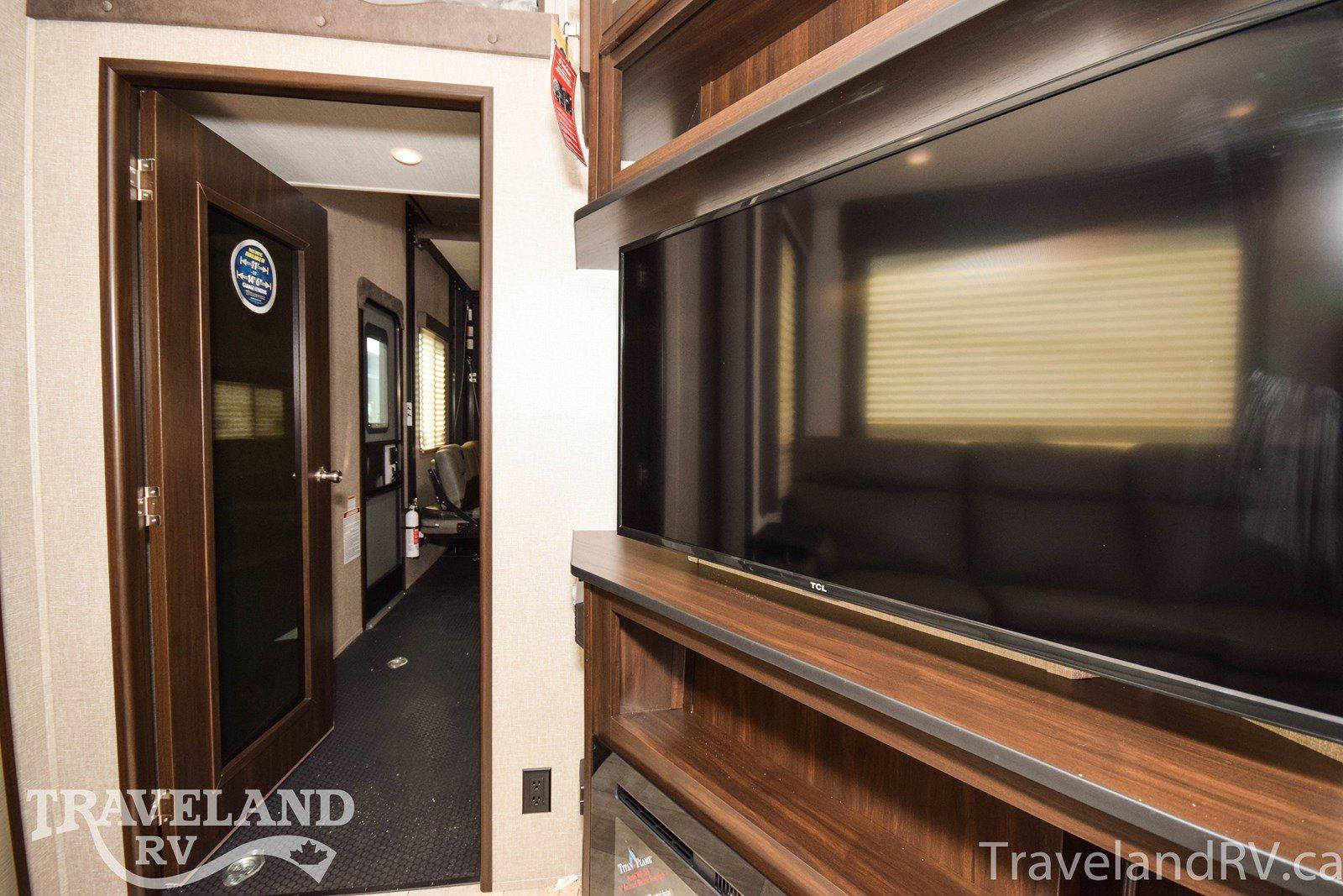 2020 Grand Design Momentum G-Class 350G Thumbnail