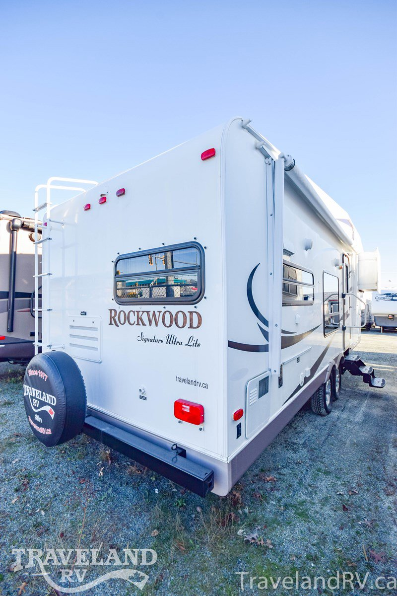 2011 Forest River Rockwood Signature Ultra Lite 8280WS Thumbnail