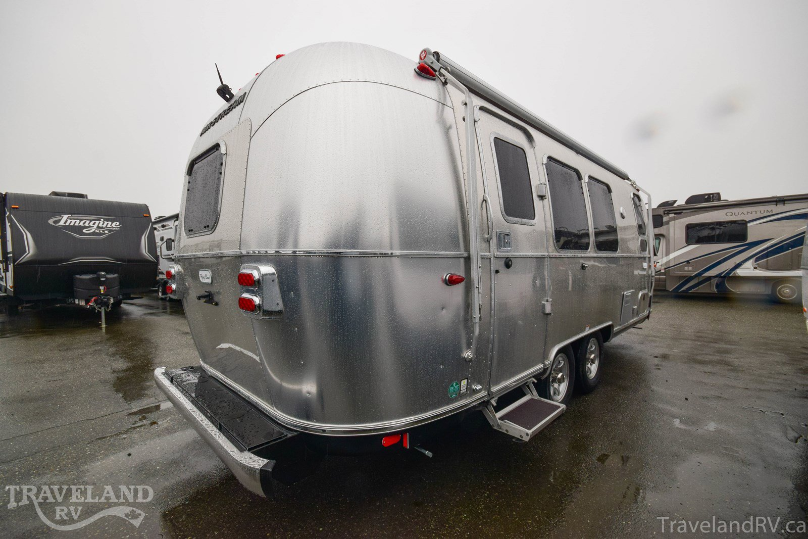 2020 Airstream Flying Cloud 23FB Thumbnail