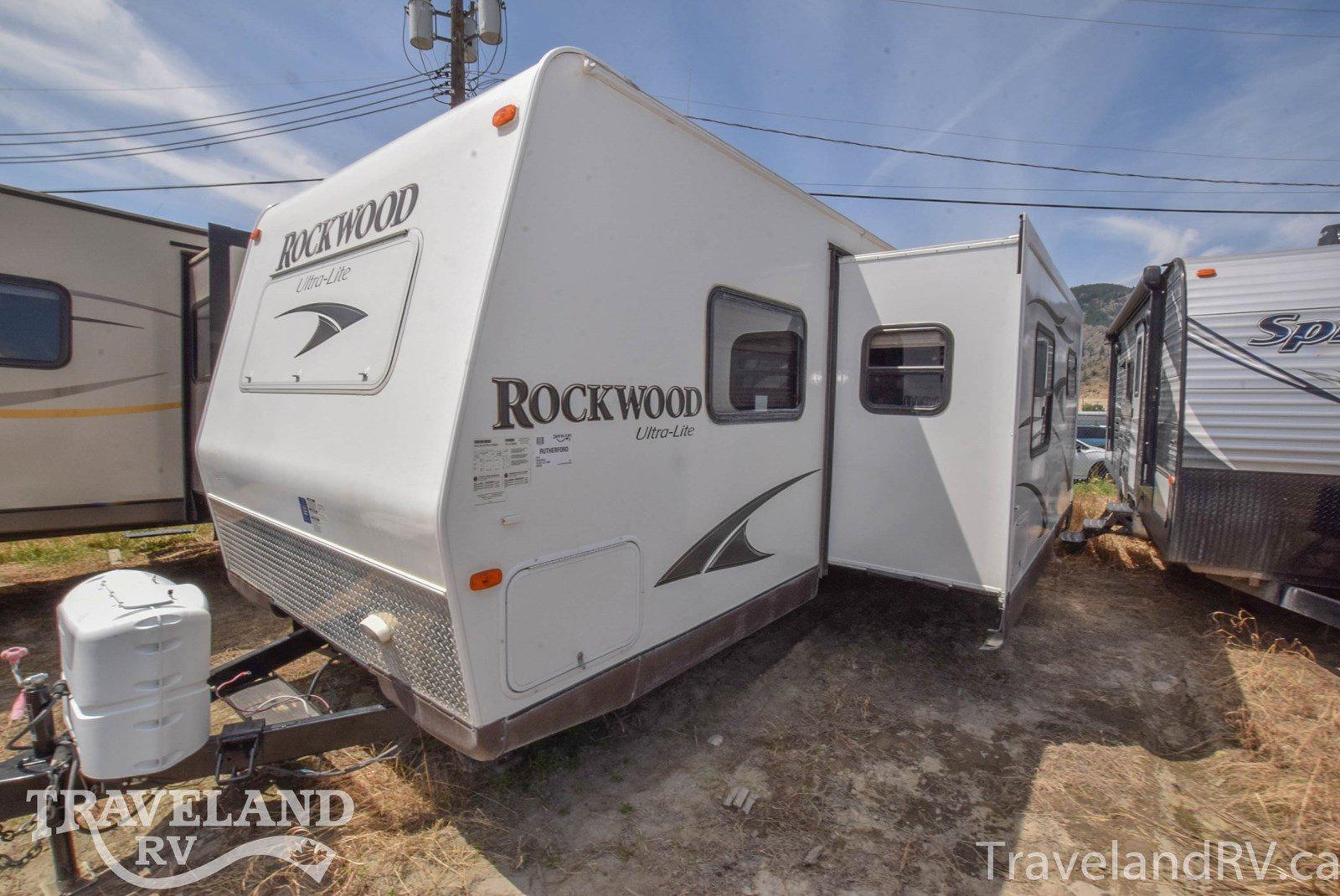 2014 Forest River Rockwood Ultra Lite 2905SS Thumbnail