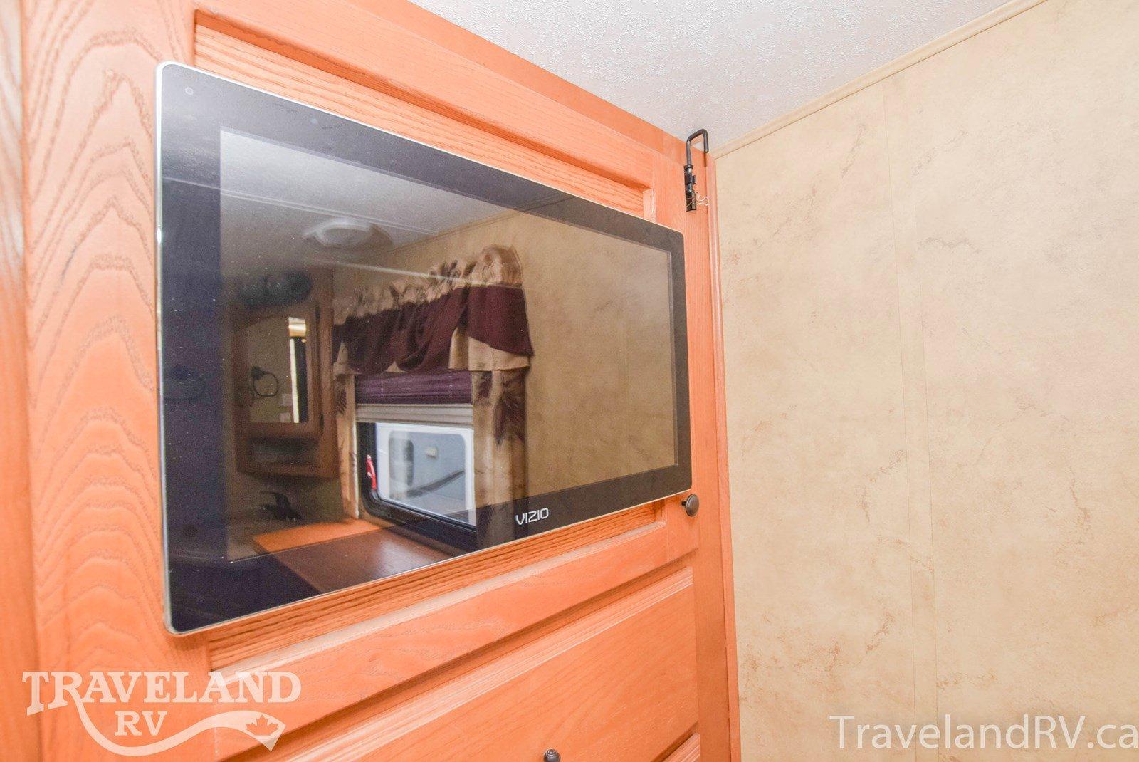 2008 Keystone Montana 2955RL Thumbnail