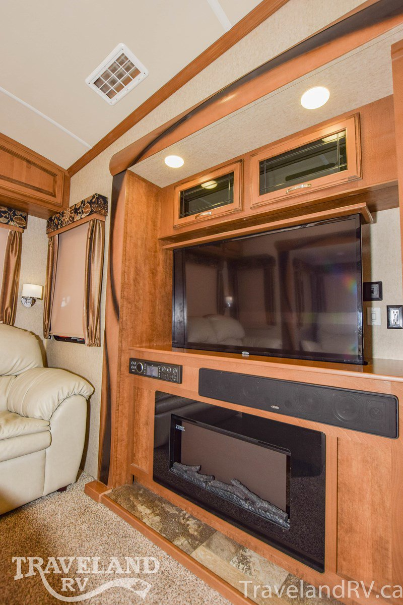 2017 Forest River Cedar Creek Hathaway Edition 36CKTS Thumbnail