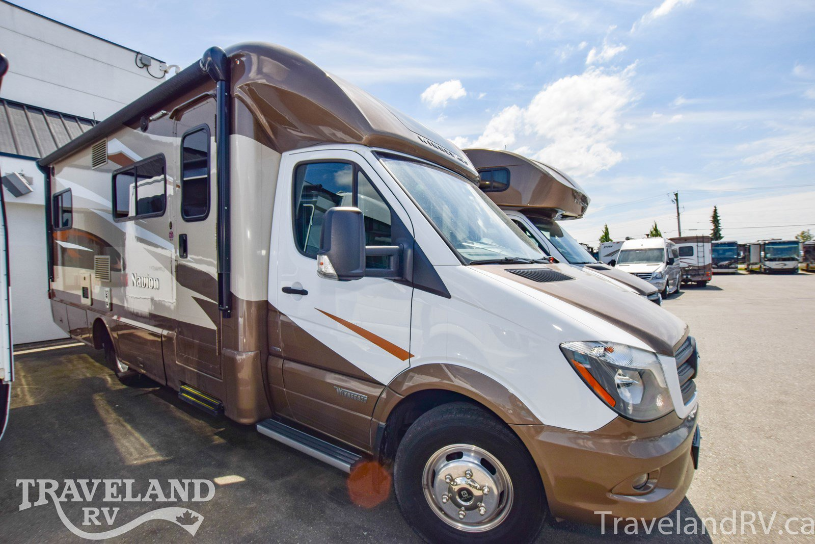 2017_winnebago_navion_floorplan
