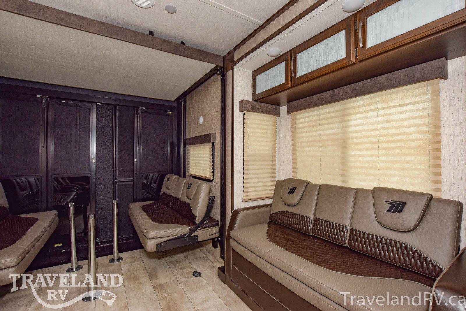 2020 Grand Design Momentum G-Class 28G Thumbnail
