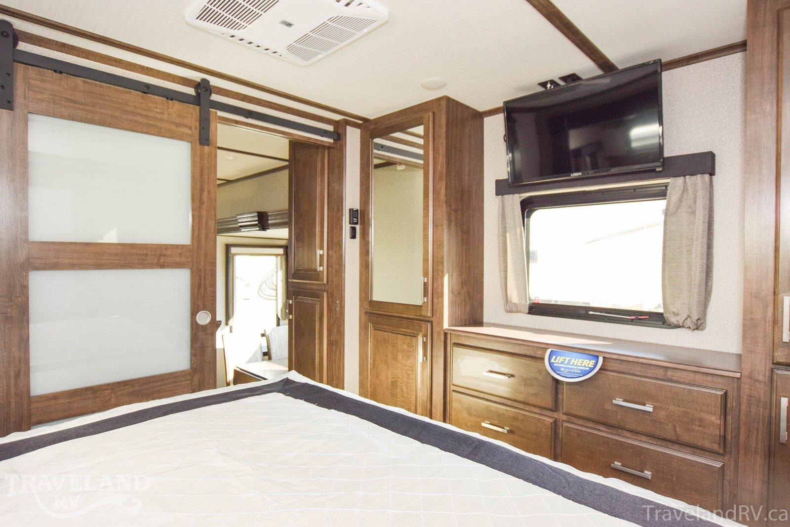 2020 Grand Design Solitude 380FL Thumbnail