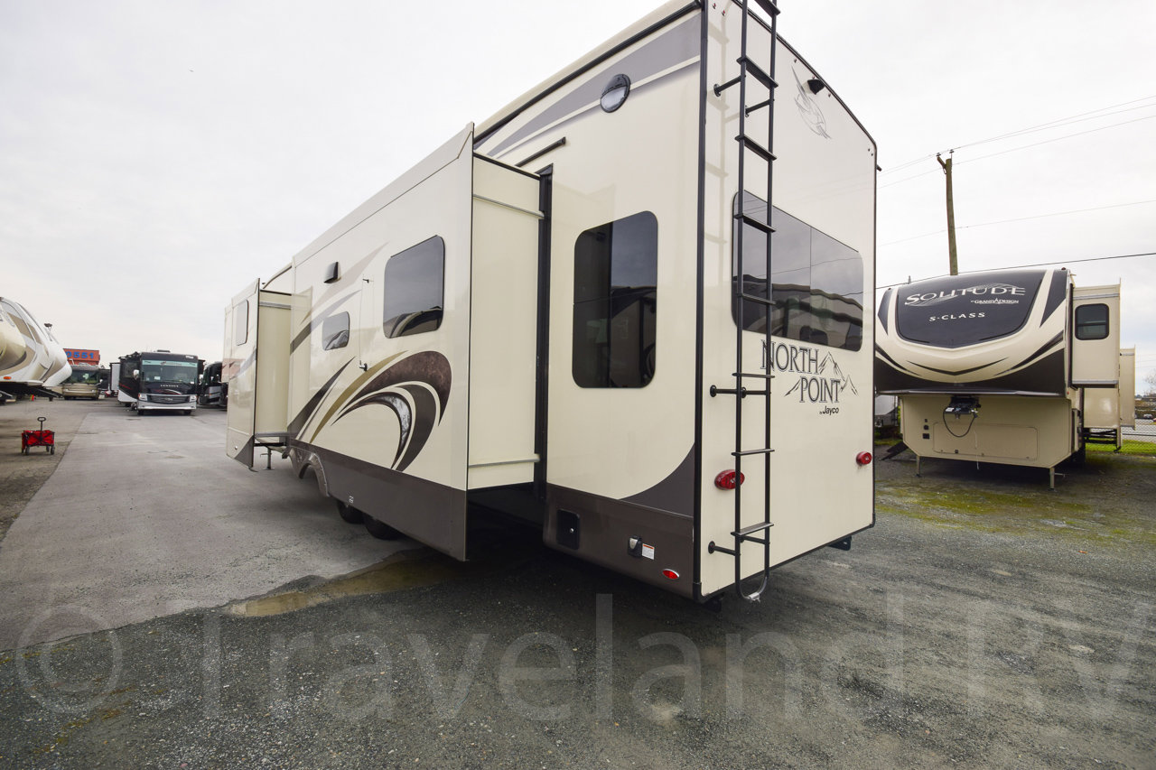 2019 Jayco North Point 377RLBH Thumbnail