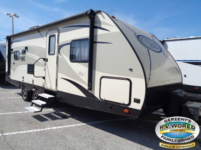 2017 Forest River Vibe Extreme Lite West Coast Edition 224RLS Thumbnail