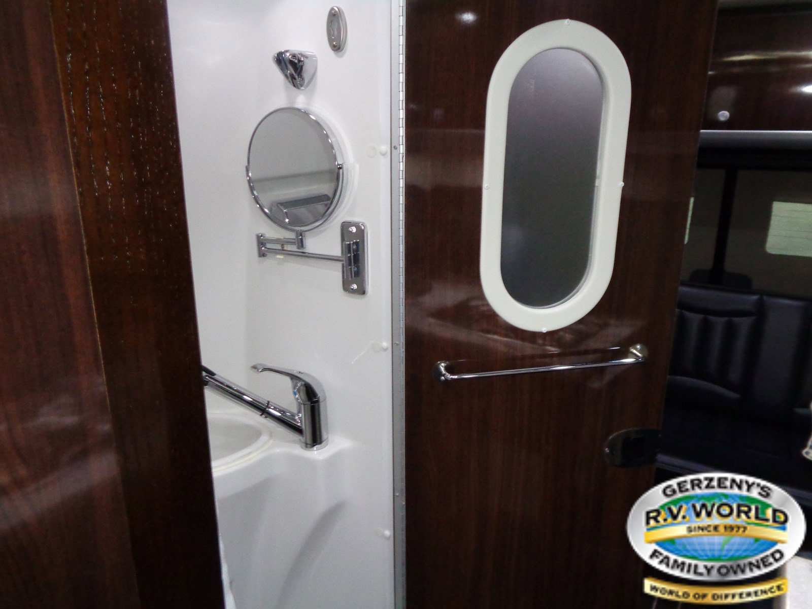 2018 Airstream Airstream INTERSTATE EXTM Thumbnail
