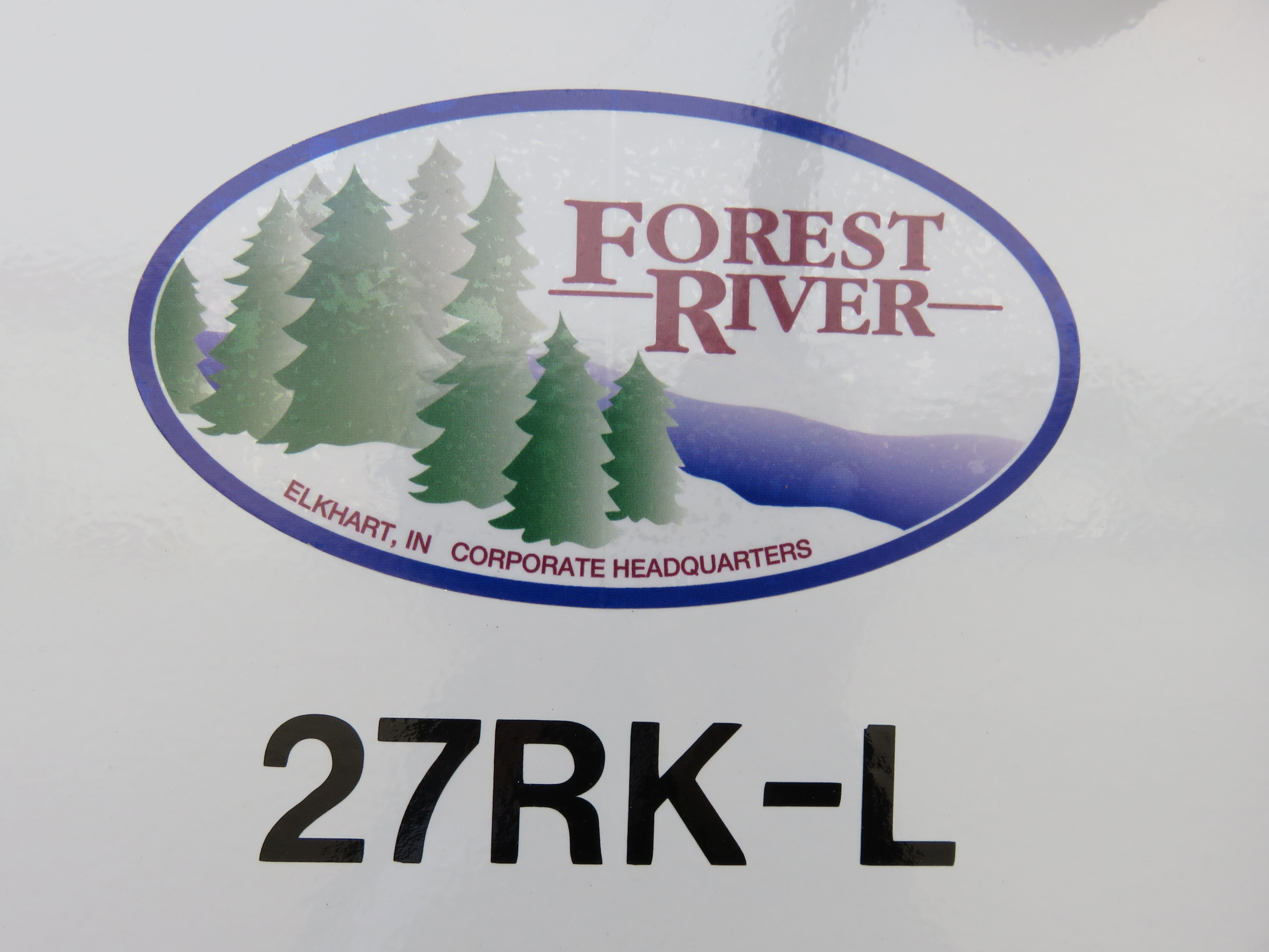 2020 Forest River Cherokee Alpha Wolf 27RK-L Thumbnail