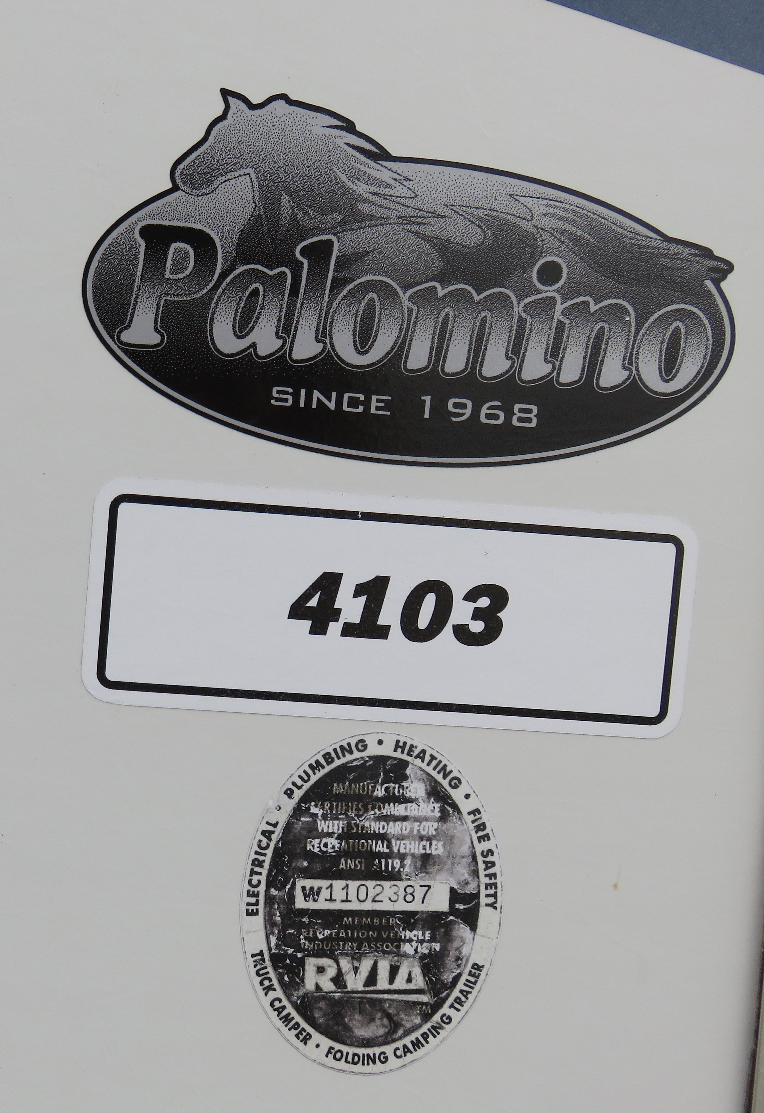 2006 Forest River Palomino 4127 Thumbnail