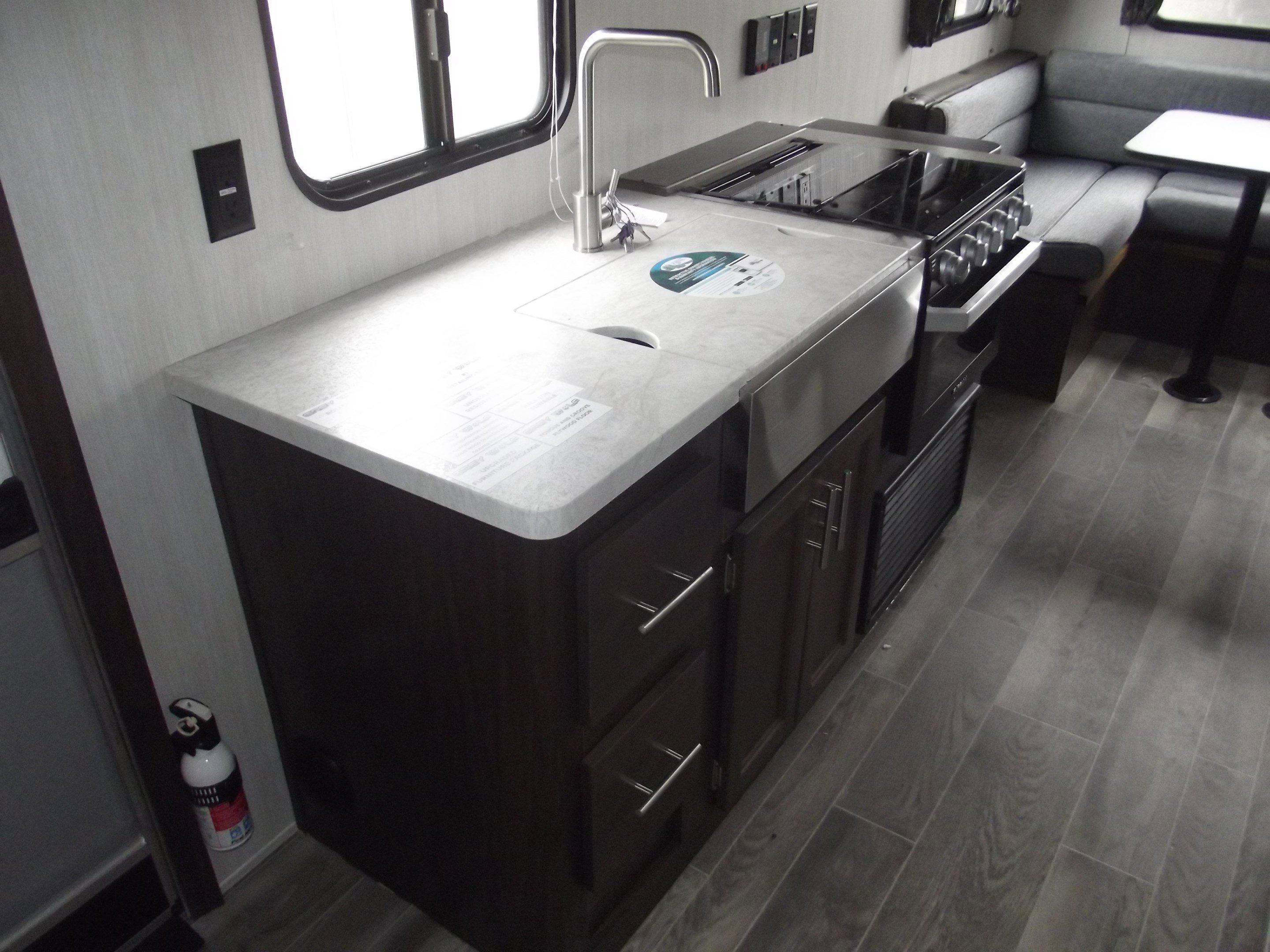 2019 Forest River Cherokee GREY WOLF 20RDSE Thumbnail