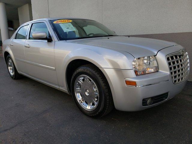 2006 Chrysler 300 4dr Sdn 300 Touring - Image 12
