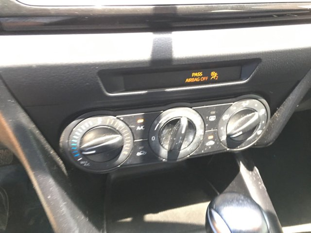 2015 Mazda Mazda3 4dr Sdn Auto i Sport - Image 17